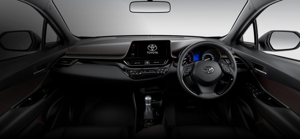 Interior Toyota C-HR 2018 dengan kelengkapan fitur di dalamnya
