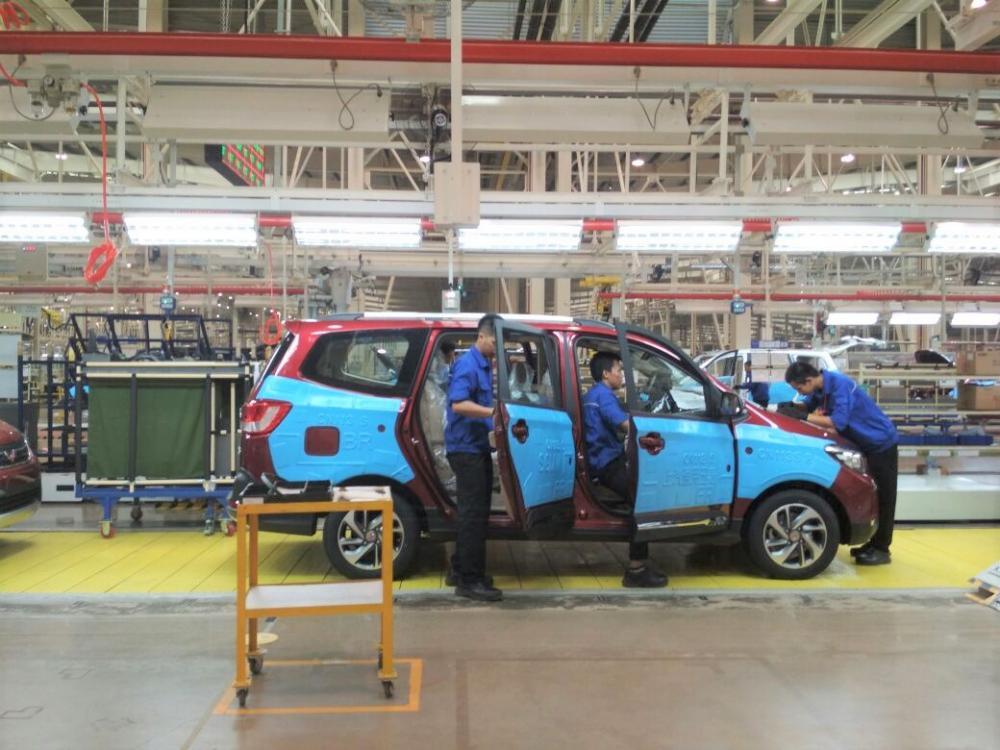 Aktivitas di pabrik wuling motors Indonesia