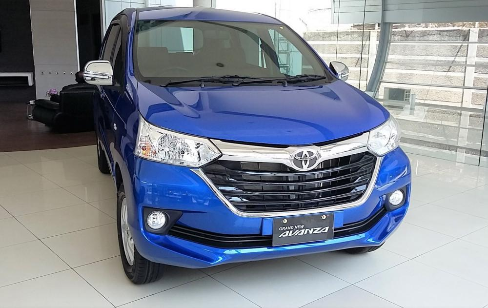 Satu unit Grand New Avanza 2018 baru berada di sebuah dealer
