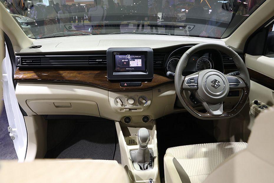 Gambar bagian dashboard mobil Suzuki Ertiga 2018