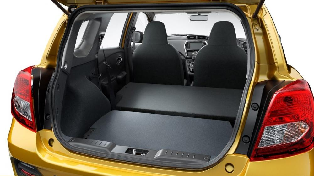 Ruang bagasi mobil Datsun Go Cross CVT 2018