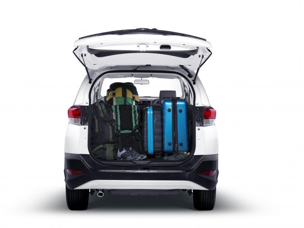 Ruang bagai mobil Daihatsu Terios X Deluxe 2018