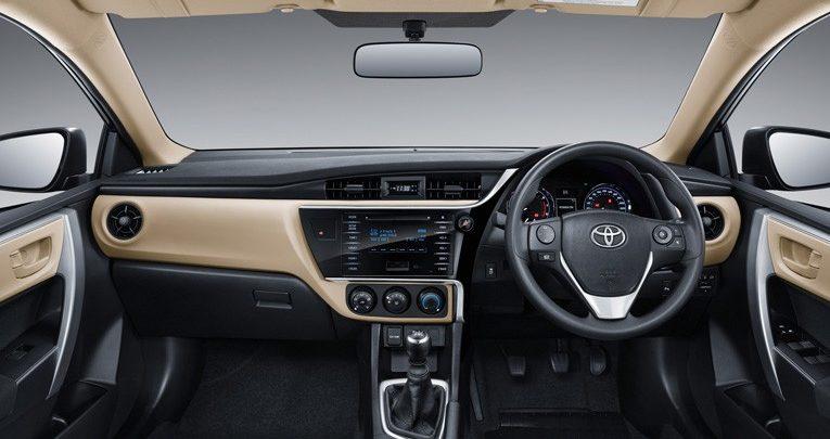Interior Toyota Corolla Altis 2017 dikemas sangat menarik dengan beragam fitur lengkap