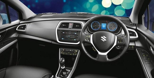 Gambar ruang kabin mobil Suzuki SX4 S-Cross dengan kelangkapan fitur di dalamnya