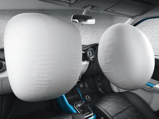 gambar fitur airbag suzuki ignis 2018 di kursi bagian depan