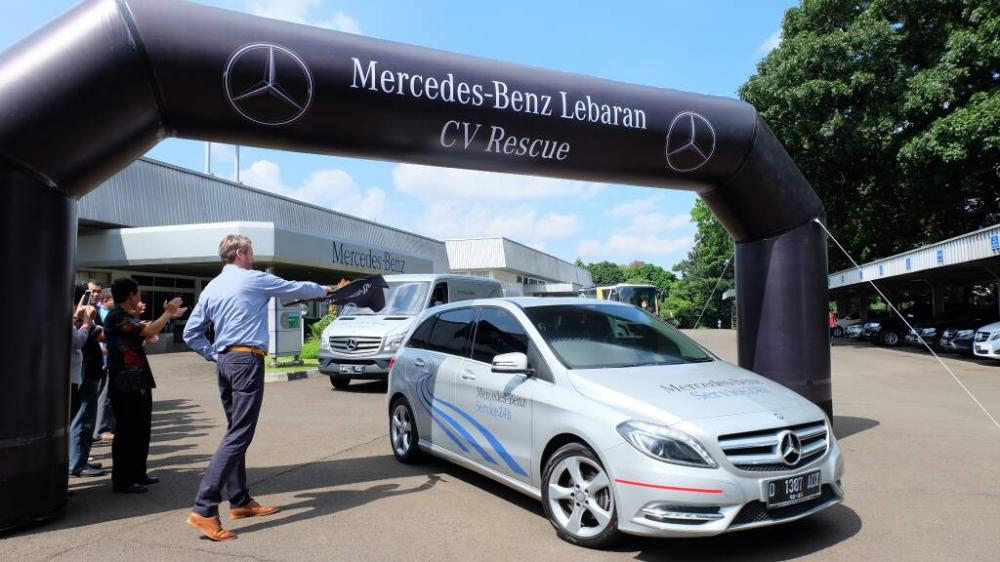 layanan Mercedes-Benz siaga lebaran 24 jam