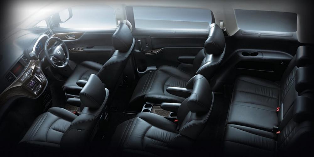 Interior Nissan Elgrand Berwarna Hitam Yang Elegan