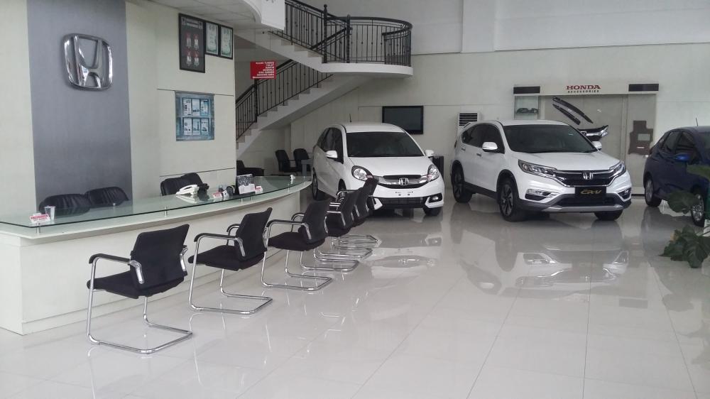 Gambar showroom dealer mobil Honda