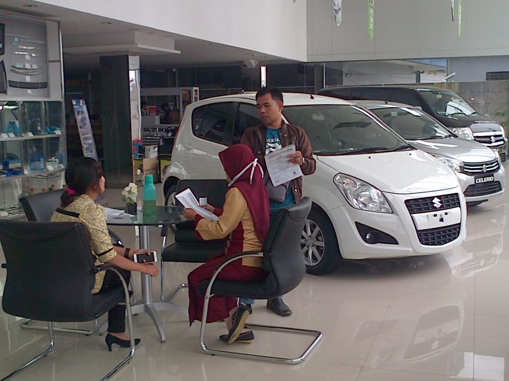 Gambar transaksi di Dealer mobil Suzuki