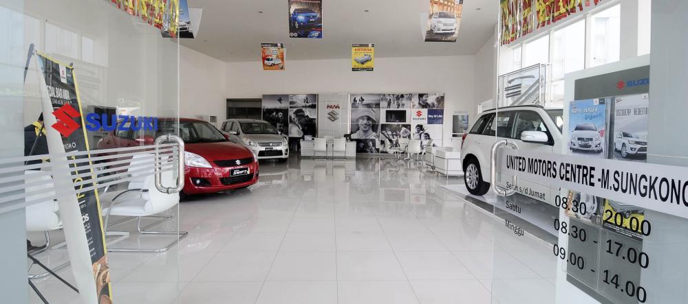 Gambar showroom mobil Suzuki