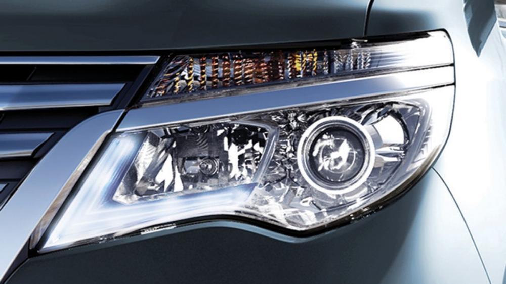 Nissan Serena Memiliki Lampu Utama Besar Dengan Teknologi Terbaik