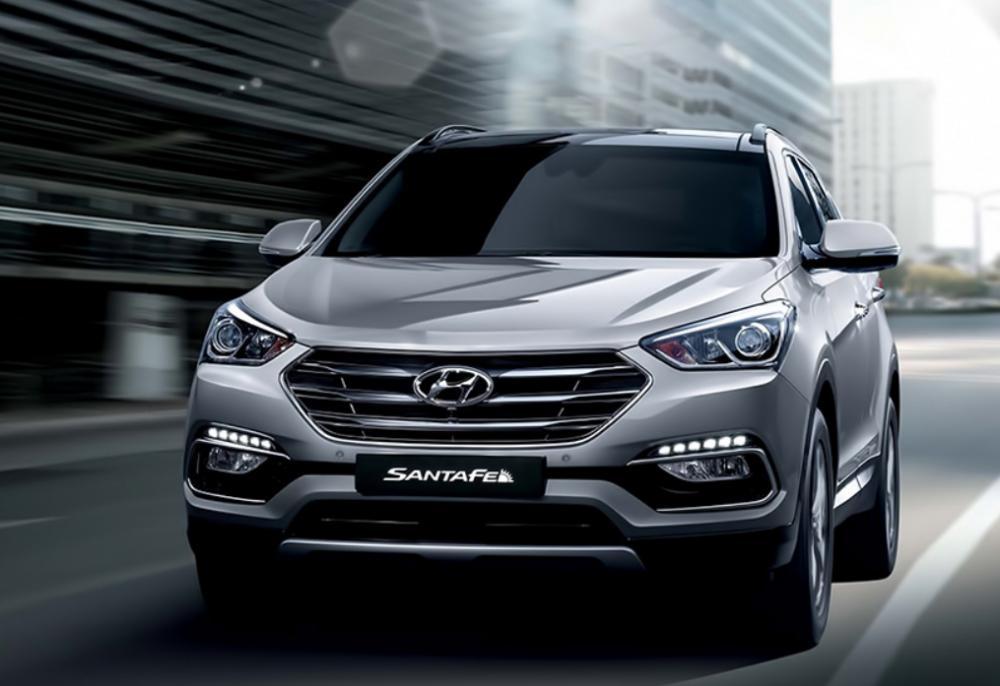 Foto Hyundai Santa Fe tampak dari depan