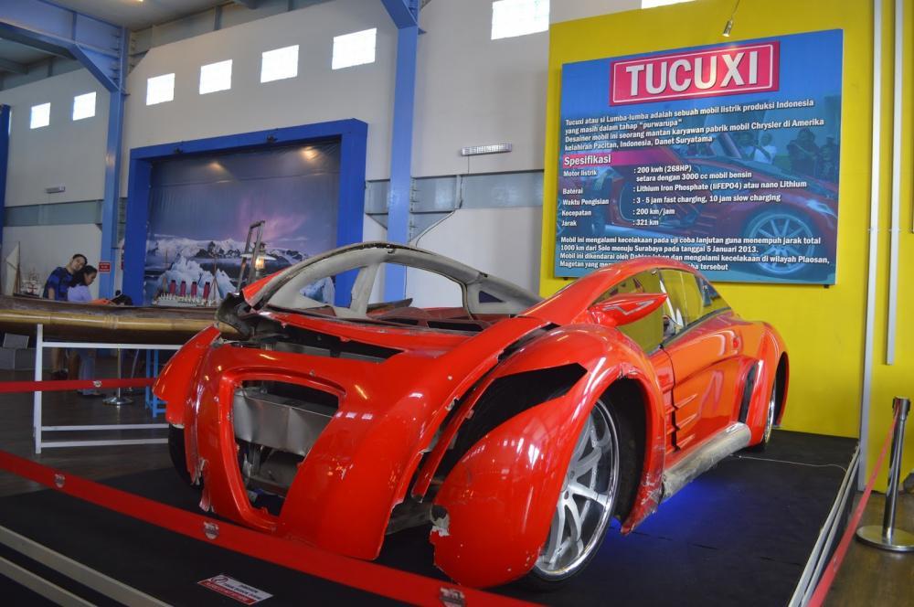 Foto Mobil listrik TUXUCI Dahlan Iskan yang pernah kecelakaan