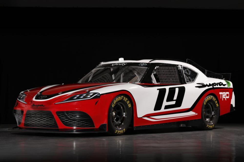 Foto 3/4 Toyota Supra untuk balap NASCAR Xfinity Series 2019