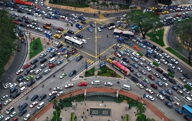 Gambar yang menunjukan kepadatan lalu lintas di Kuala Lumpur