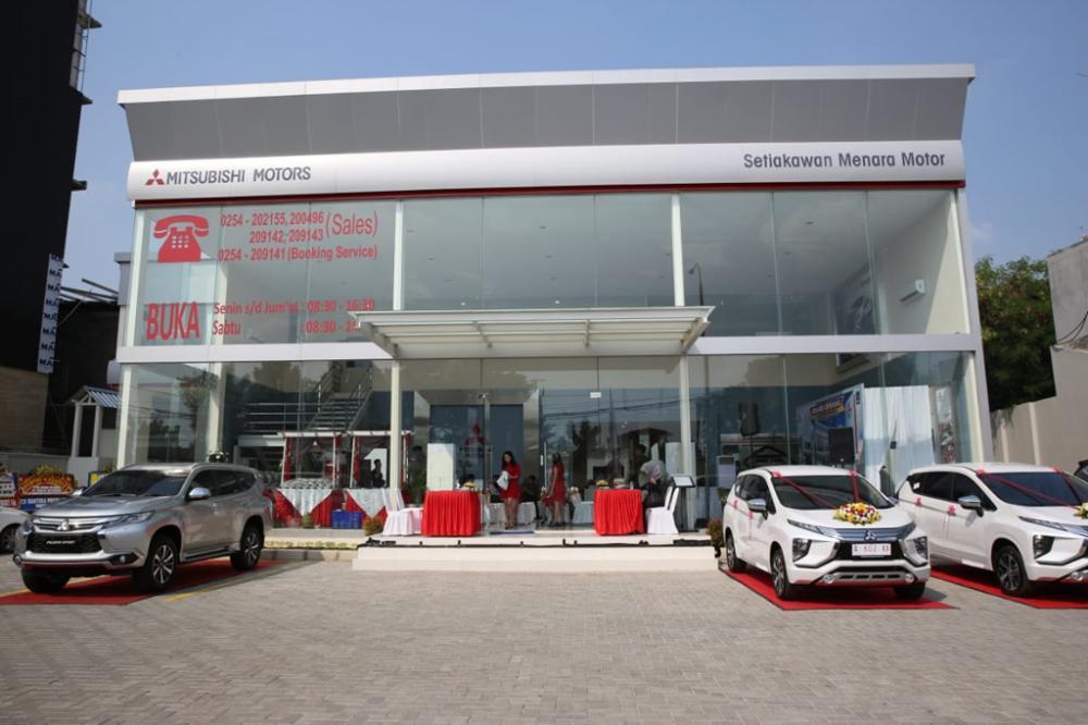 Gambar Dealer Mitsubishi Setiakawan Menara Motor - Serang Banten tampak dari depan