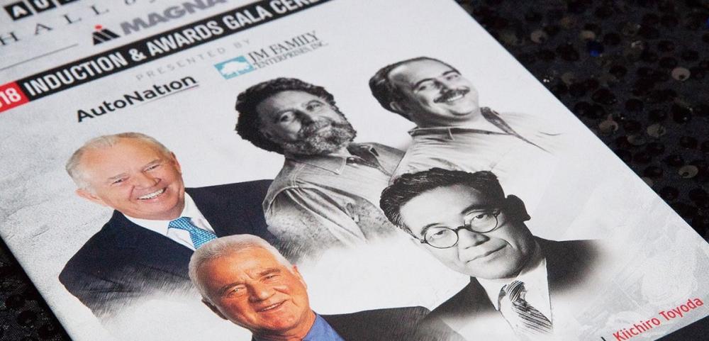 Gambar yang menunjukan beberapa orang yang dilantik di Automotive Hall of Fame 2018