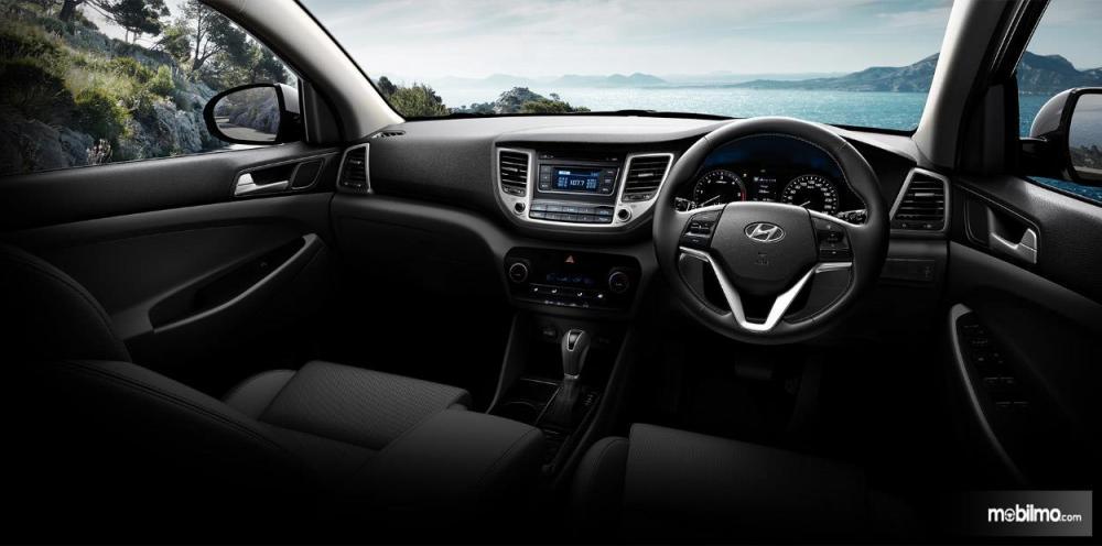 Dashboard Hyundai Tucson 2017 Mewah Dengan Dominasi Warna Hitam