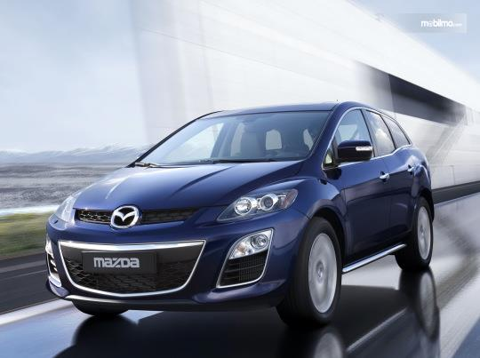 Mazda CX-7 2009 yang didatangkan untuk Indonesia merupakan varian facelift ringan