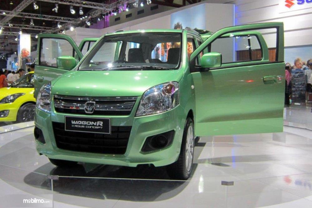 Tampilan Suzuki Wagon R 7 seater tampak depan