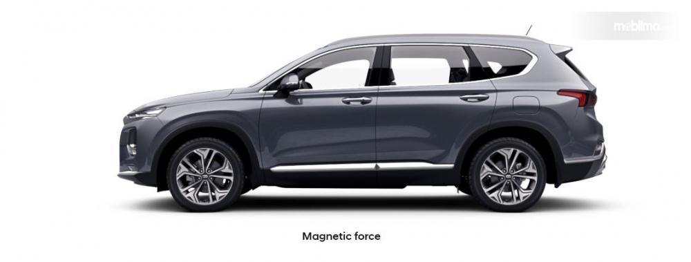 Tampak Samping Hyundai New Santa Fe 2018 Lebih Besar dan Tegak Hingga Belakang