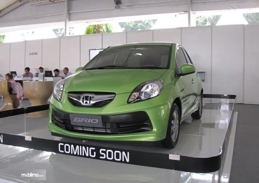 Gambar Honda Brio 2012 tampak depan
