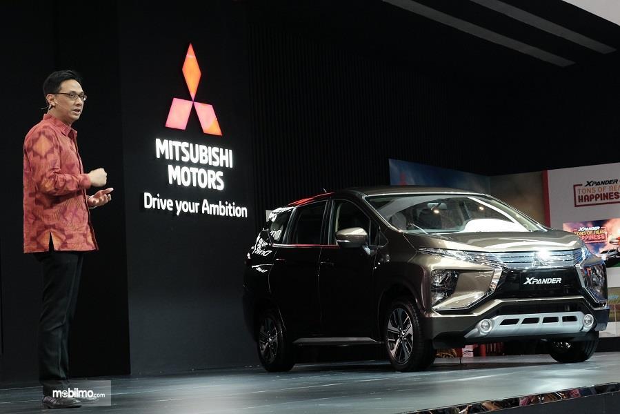 Gambar yang menunjukan mobil baru Mitsubishi Xpander di GIIAS 2018