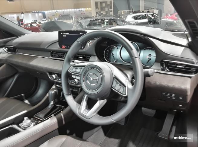 Dashboard Mazda6 Sedan 2018 Dengan Material Empuk