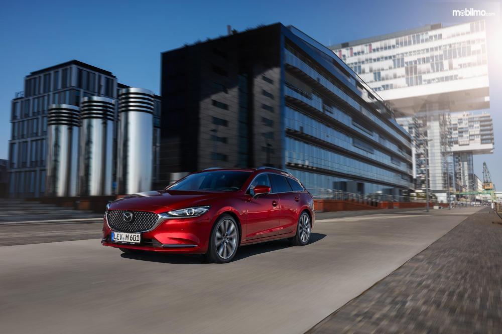 Mazda6 Estate 2018 Dengan Grill Model Trapezoidal
