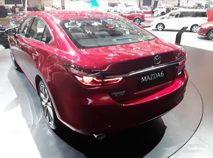 Desain Mewah Terpancar Pada Bagian Belakang Mazda6 Sedan 2018