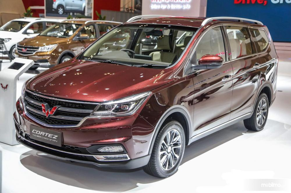 Foto close up Wuling Cortez tampa depan samping