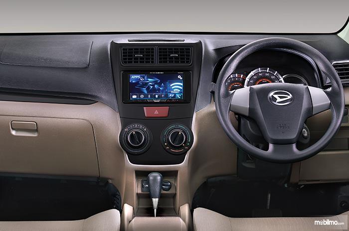 Daihatsu Xenia 2018 Dengan Dashboard Dua Warna