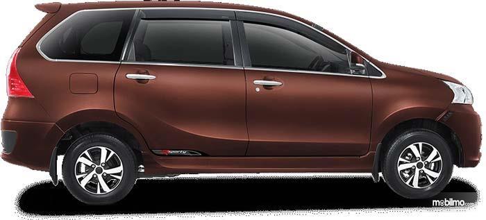 Sisi Samping Daihatsu Xenia 2018 Mendapat Guratan Tipis Namun Sporty