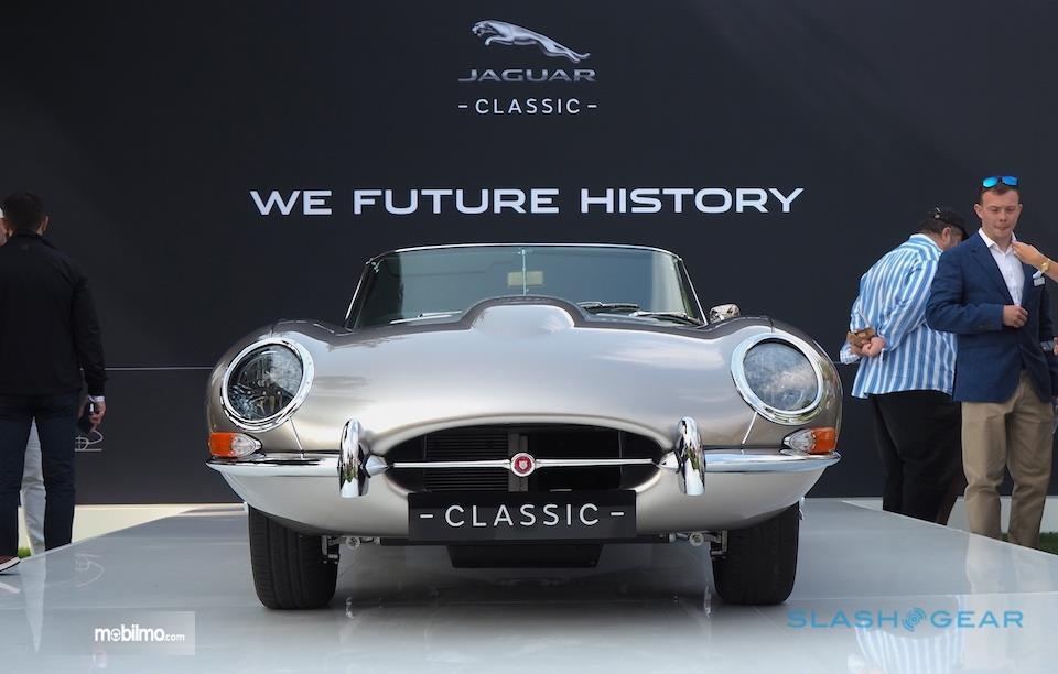 Tampang Jaguar Classic E-type Zero dari depan