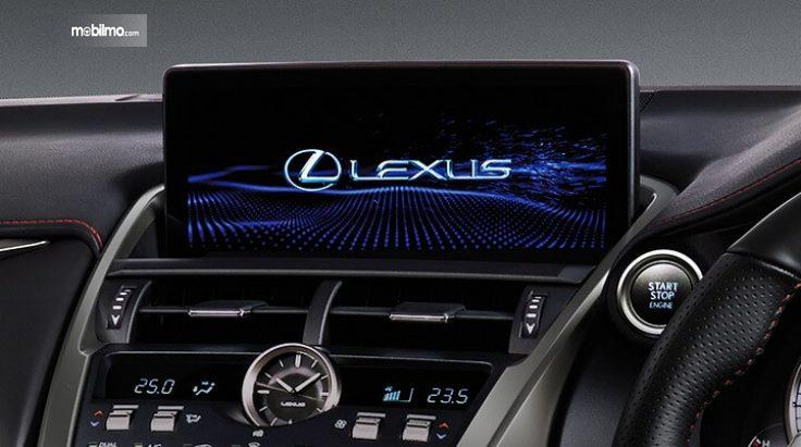 Multi information display pada Lexus NX300T F-Sport 2018
