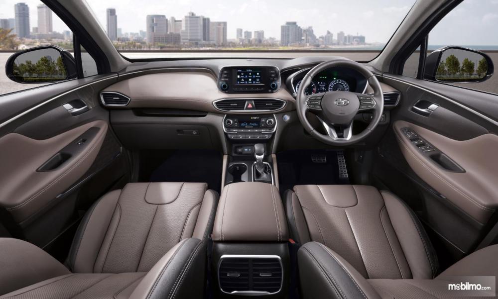 Dashboard Hyundai Santa Fe 2018 Dengan Paduan Warna Kalem