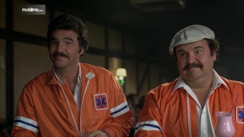 Gambar yang menunjukan Burt Reynolds ketika membintangi Cannonball Run
