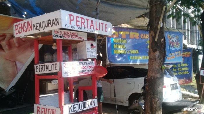 Gambar kios Bensin Kejujuran warga Semarang