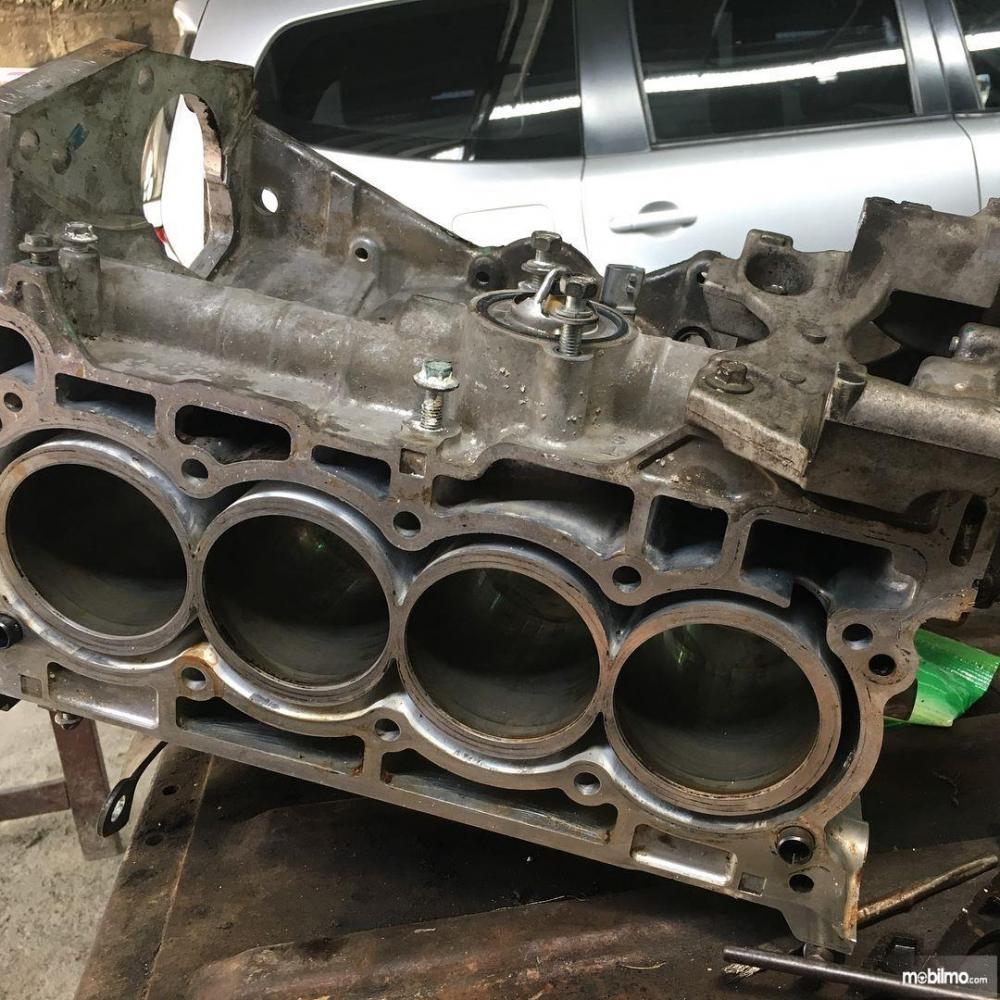 Blok silinder Nissan HR15DE pada Nissan Evalia