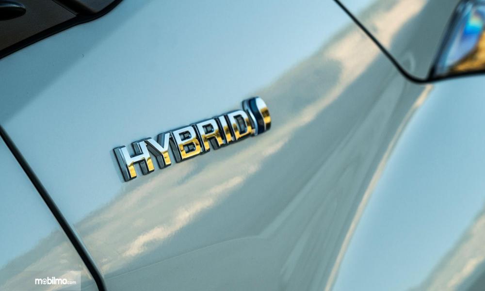 Toyota CH-R Hybrid Badge