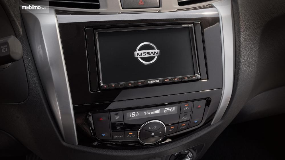 Layout interior Nissan Terra 2018