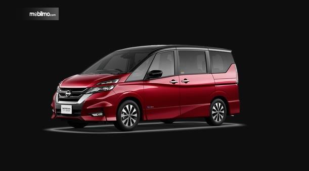 Nissan Serena 2018 Dengan Handle Pintu Warna Krom