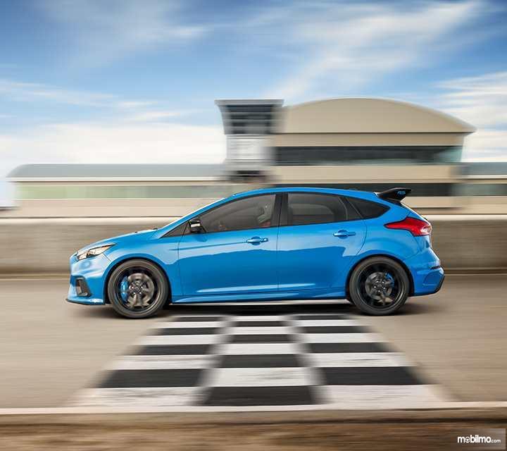 Ford Focus Rs  Desain Samping Begitu Aerodinamis