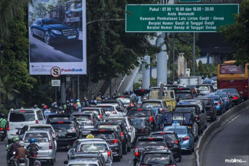 Foto kepadatan lalu lintas kota Jakarta
