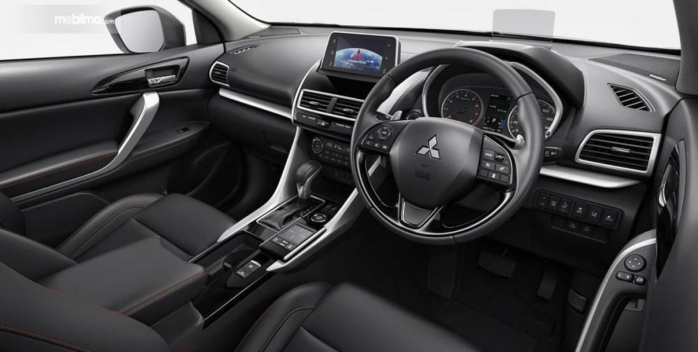 Tampak layout interior Mitsubishi Eclipse Cross 2019