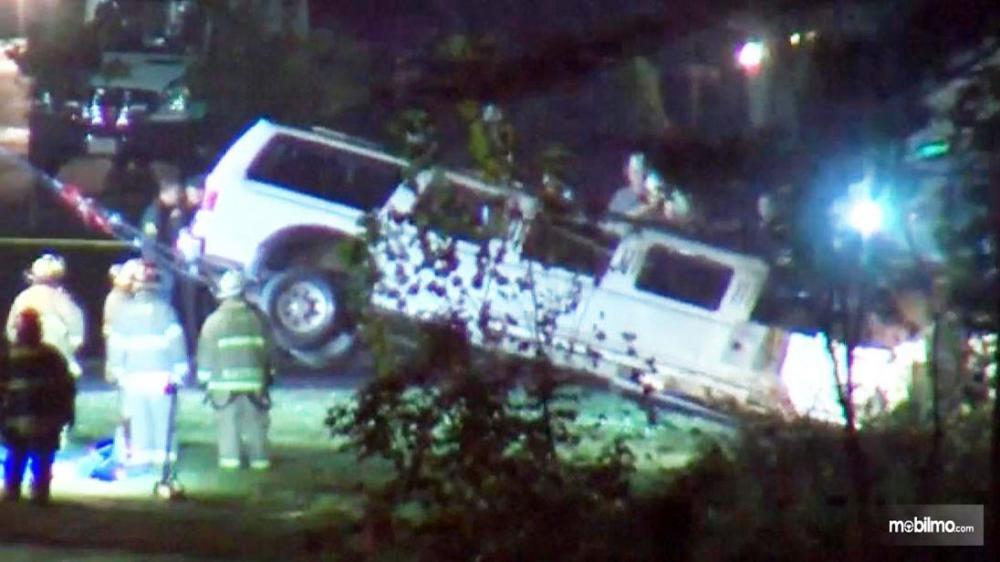 Gambar yang menunjukan kecelakaan limosin di Amerika