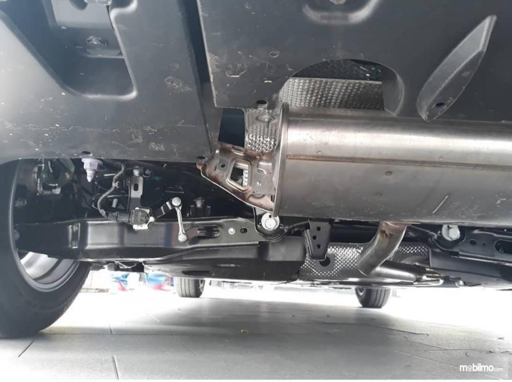 Tampak motion sensor pada lengan ayun Toyota All New Prius PHV 2019