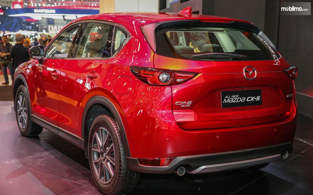 Foto All New Mazda CX-5 tampak dari belakang