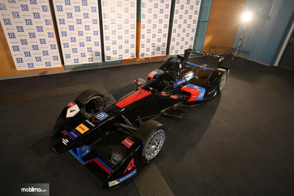 Foto Mobil balap Formula E, Venturi tampak dari atas