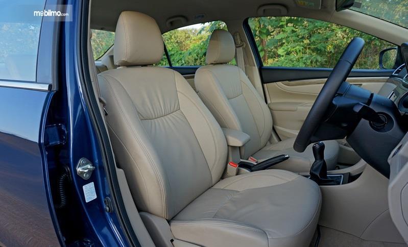 Gambar yang menunjukan bagian kursi Suzuki Ciaz 2018